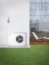 Wärmepumpe außen am Haus angebracht