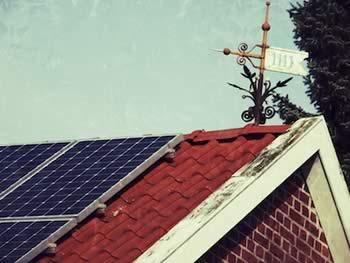 Photovoltaikanlage auf Haus von 1911