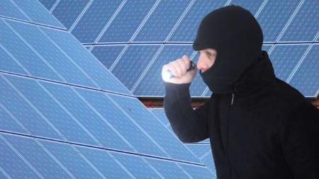 Man kann sich gegen den Diebstahl der Photovoltaikmodule versichern