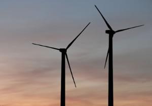 Windkraftanlagen erhalten ebenso wie Photovoltaikanlagen eine Einspeisevergütung